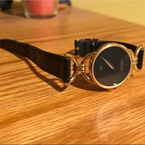 Vintage Gucci Black Leather and Gold Watch